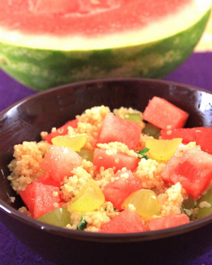 insalata di quinoa con anguria ed uva