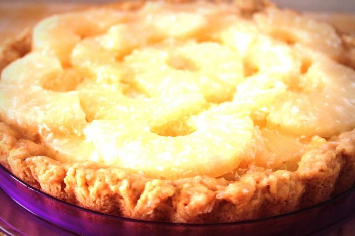 crostata esotica vegan all'ananas e cocco