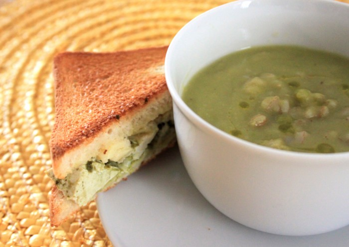 zuppa di fave secche con tostino in pendant