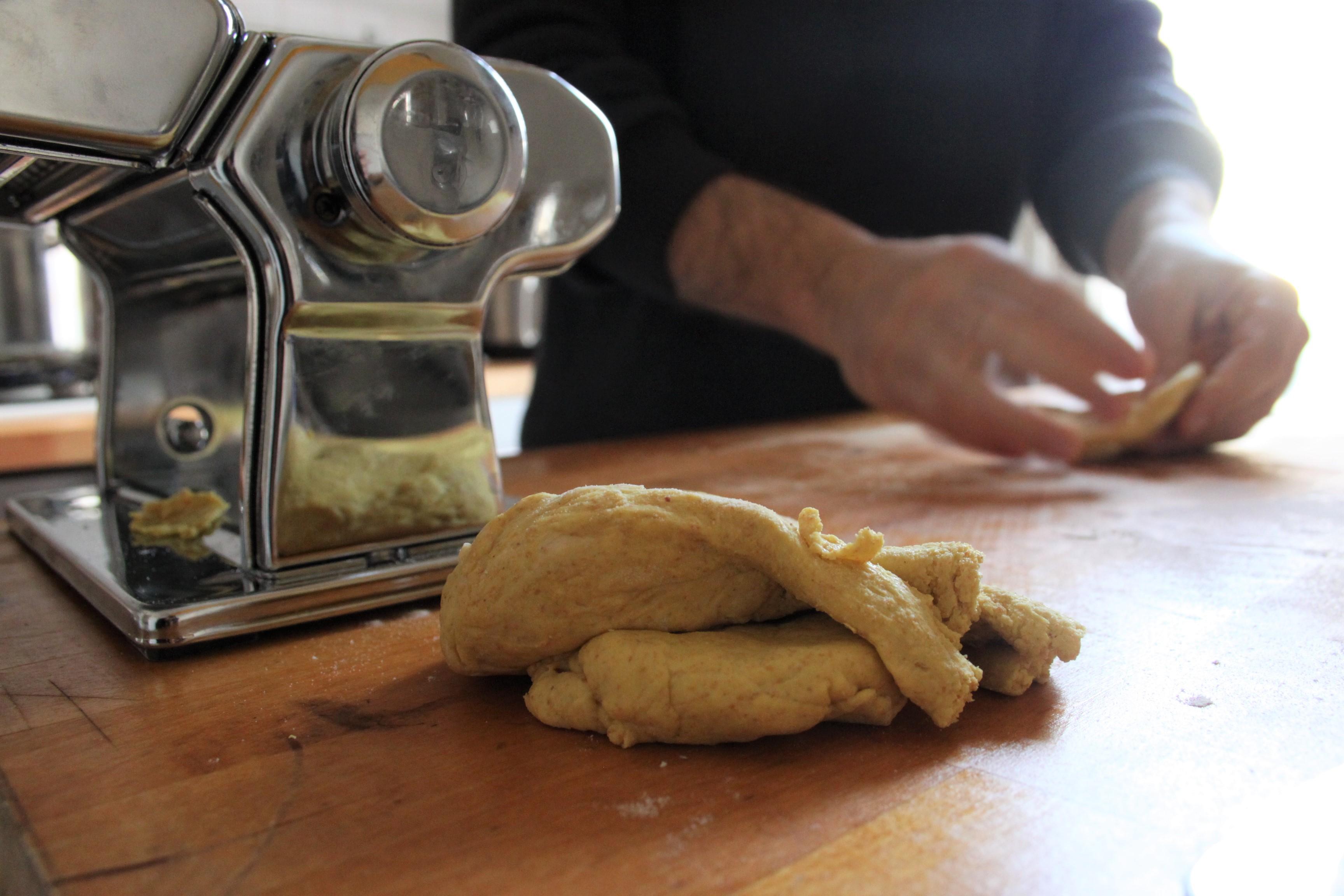 La ricetta del rag di tofu con la pasta fatta in casa - Pasta fatta in casa macchina ...