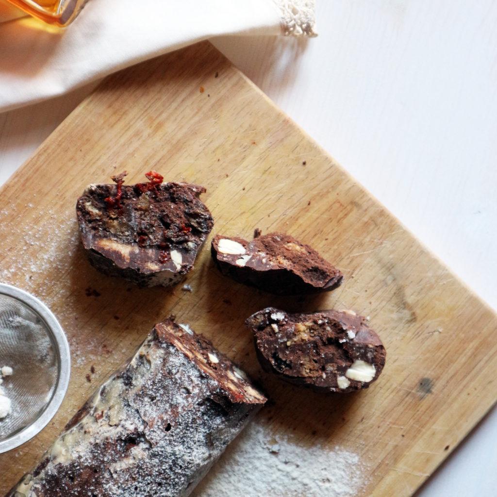 salame di cioccolato vegan con cacao ricetta
