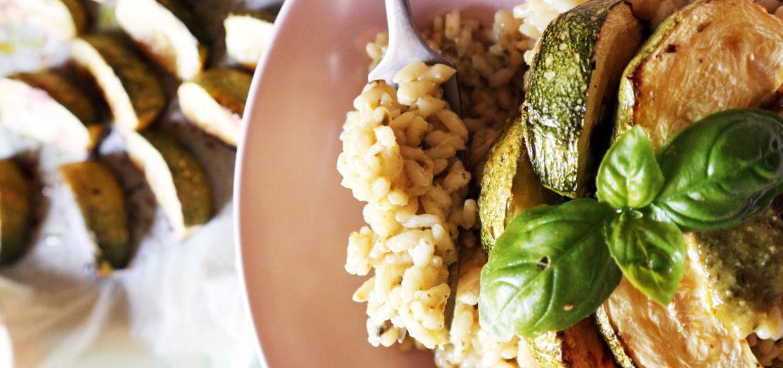 risotto vegan con zucchine e pesto